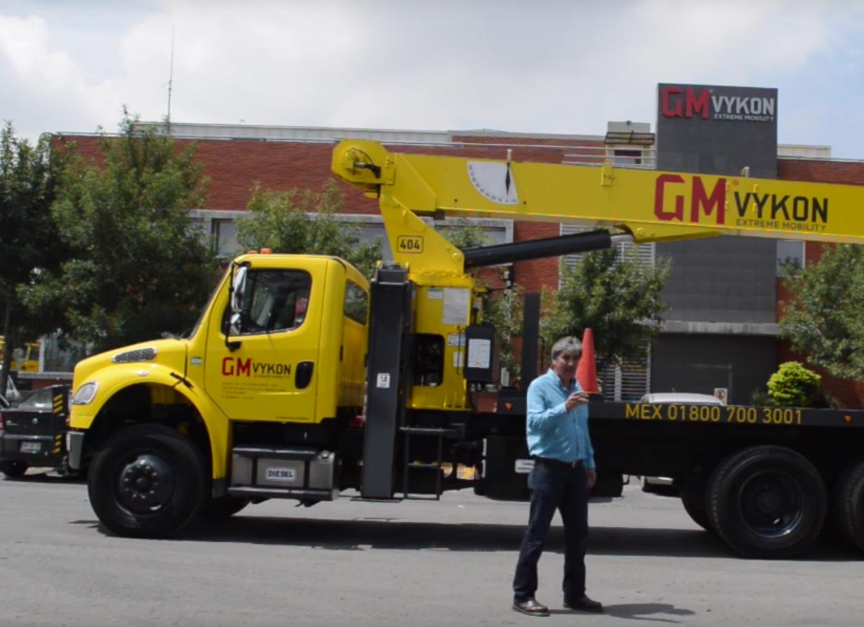 Siempre para darle el mejor servicio a nuestros clientes Grúa National Crane 2014
